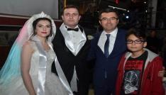 Koruma polisinin nikah şahidi oldu