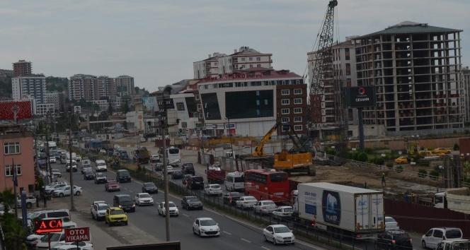 Yaklaşık 780 bin nüfuslu Trabzon'da 180 bin 697 tescilli araç bulunuyor