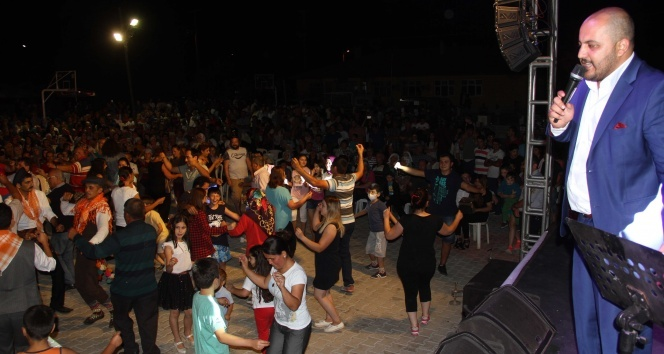 Fethiyede 17. Kiraz Festivali renkli görüntülere sahne oldu