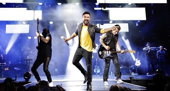 Megastar Tarkan'ın Harbiye konserlerini 1.2 milyon kişi takip etti