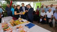 Üreticilere Akdeniz Meyve Sineğine karşı  tuzak dağıtıldı