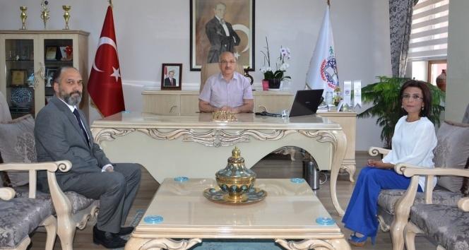 Öğretmen Burhan Esene ulusal kalite etiket ödülü