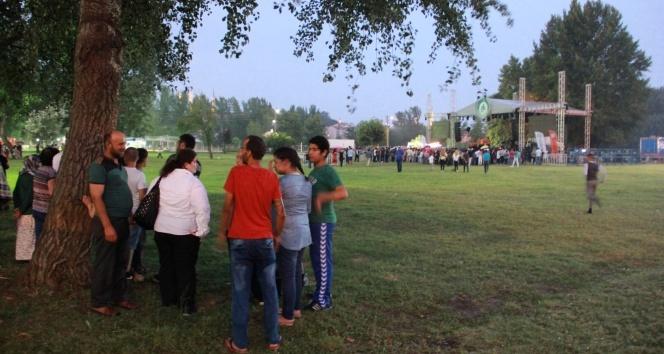 Aleyna Tilki'ye Edirne'de yağmur şoku