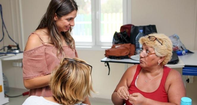 Didimli kadınlar deri sanatını öğreniyor