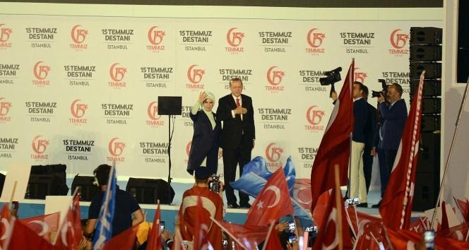 Cumhurbaşkanı Erdoğan 15 Temmuz Şehitler Köprüsünde