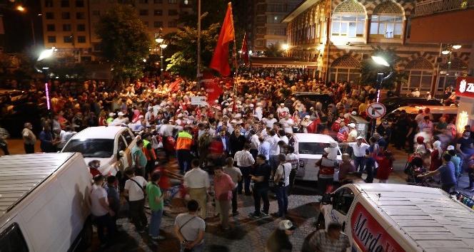 Rizede 15 Temmuz Demokrasi Yürüyüşü düzenlendi