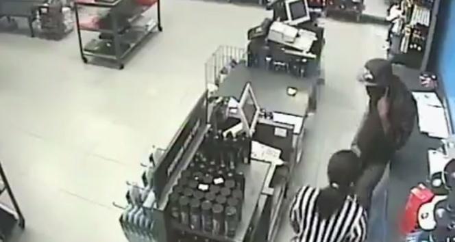 Mağaza soygunu kamerada