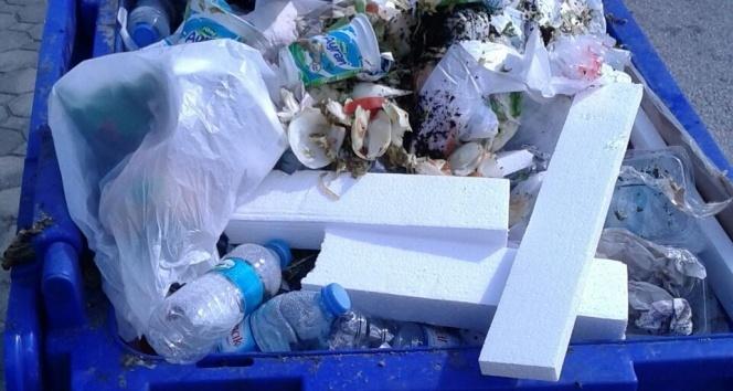 Mavi konteynerler çöp için değil
