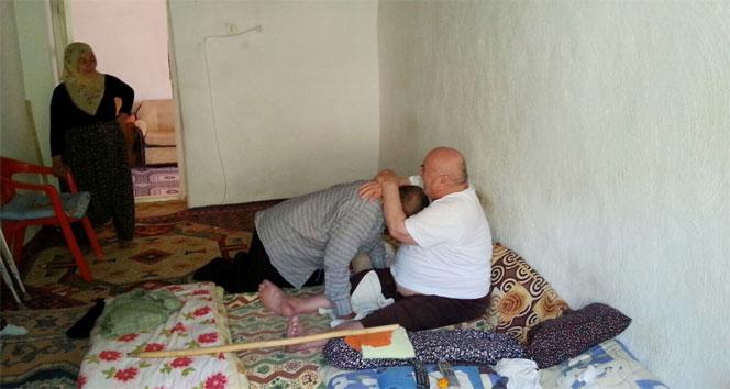 İki çocukluk arkadaşı 40 yıl sonra bir araya geldi