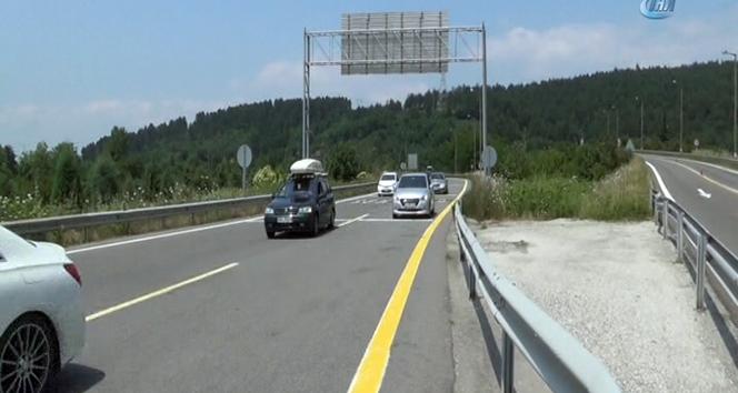 TEM otoyolu trafiğe açıldı, Bolu Dağında trafik rahatladı