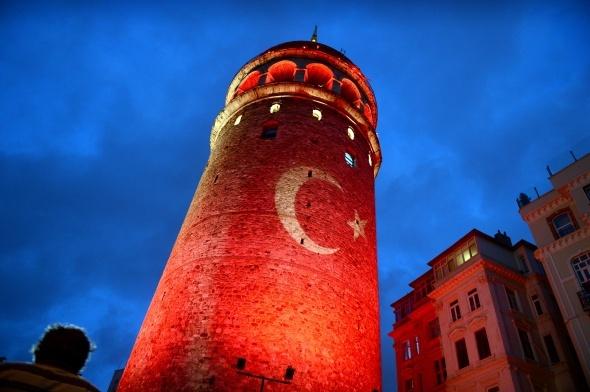 Galata Kulesi Demokrasi Nöbetinde