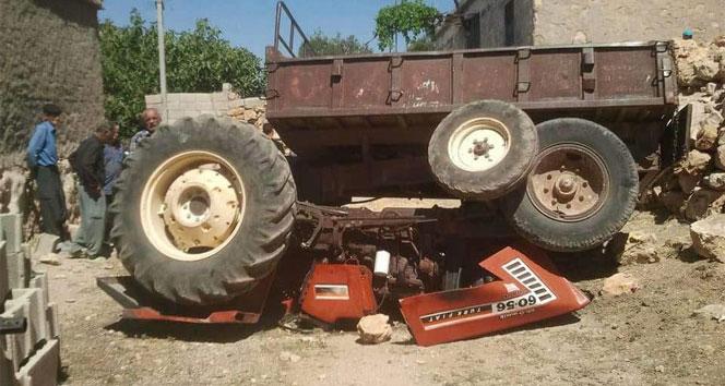 Çalıştırdığı traktörün altında kalan çocuk yaralandı
