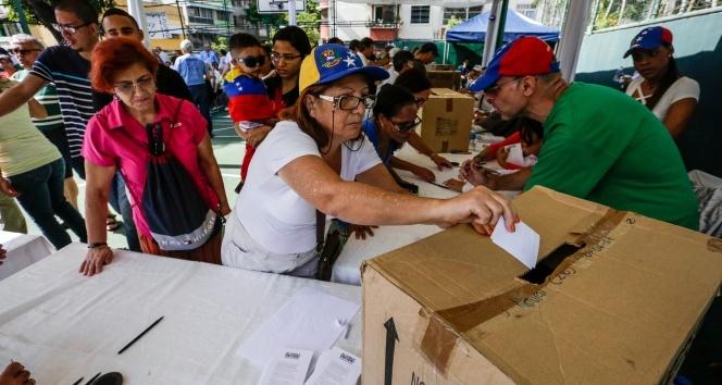 Venezuelada Maduro karşıtı sembolik referandum