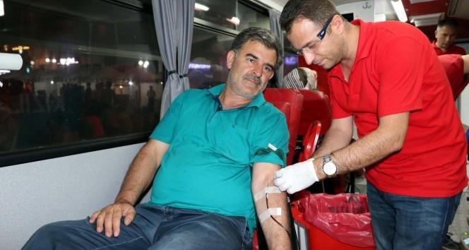 Kızılay kan bağışı kampanyası devam ediyor