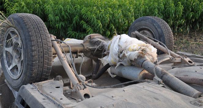 Şaftına patates çuvalı dolanan araç takla attı: 4 yaralı