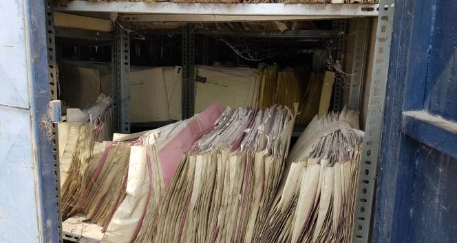 Hastane arşiv deposu yandı
