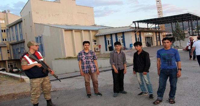 Suşehri'nde 51 kaçak göçmen yakalandı