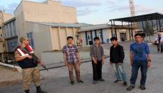 Suşehrinde 51 kaçak göçmen yakalandı