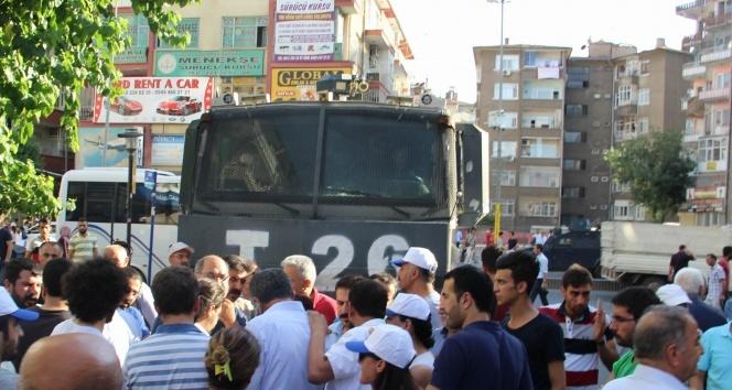 Diyarbakırda KESKlilere müdahale: 28 gözaltı