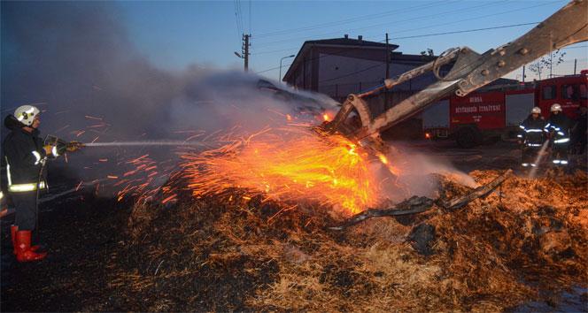 Bursada saman yüklü kamyon alev alev yandı