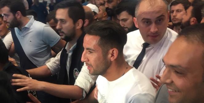 Fenerbahçe'nin yeni transferi Isla, İstanbul'da