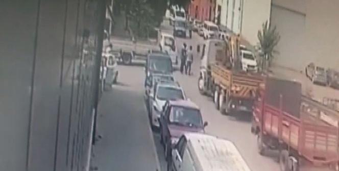 18 aracın karıştığı kaza güvenlik kameralarına yansıdı