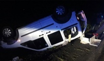 Suriyelileri taşıyan araç takla attı: 9 yaralı