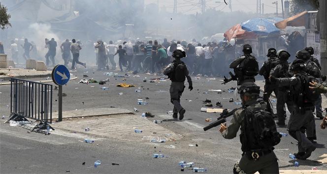 Kudüs'te 1 şehit, 140 yaralı!