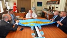 Başkan Eşkinat Sekelistan heyetini makamında ağırladı