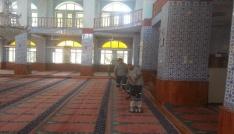 Akdenizde ibadethaneler temizleniyor