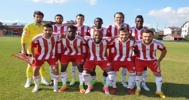 Sivasspor hazırlık maçından beraberlikle ayrıldı