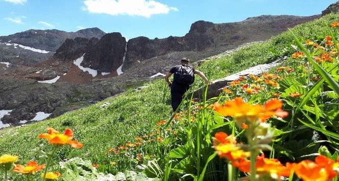 Gümüşhaneli dağcılardan Artabel yürüyüşü