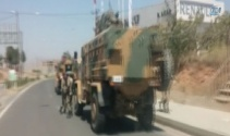 Askeri taşıyan sivil araca hain saldırı: 1 şehit, 2 yaralı