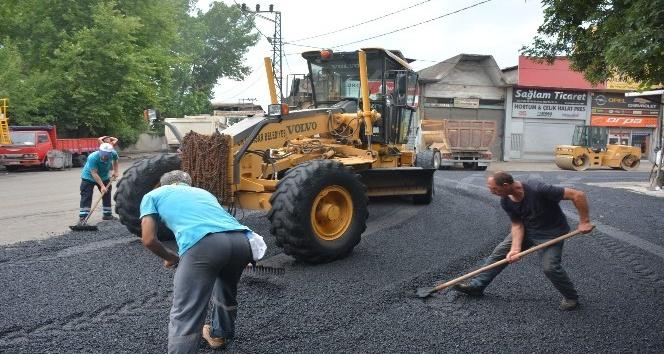 Büyük Sanayi Sitesinin asfalt sorunu çözüldü