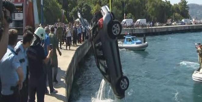 İstanbul'da otomobil denize uçtu