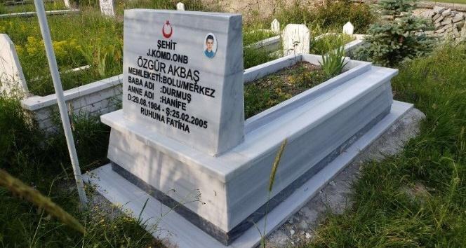 Boluda şehit mezarları yenilendi