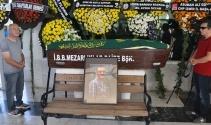 Depremde ölen Sinan Kurtoğlu son yolculuğuna uğurlandı