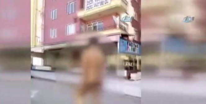 Caddede çıplak yürüyünce gözaltına alındı