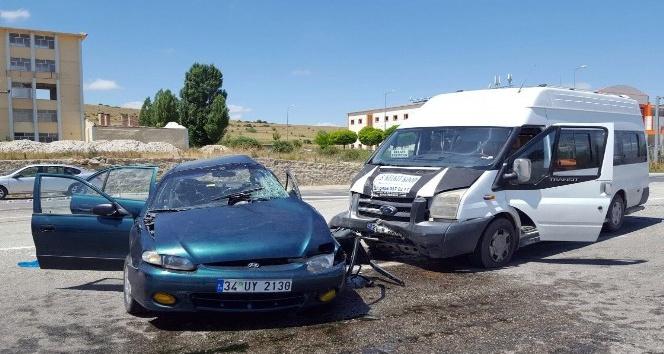 Gümüşhane'de trafik kazası: 1 ölü, 8 yaralı