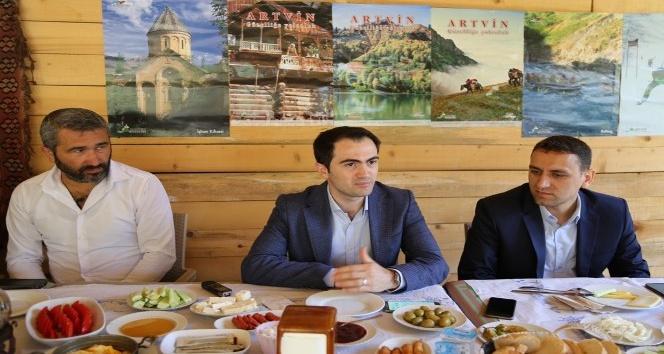 KHB Genel Sekreteri Akalın basın mensuplarıyla bir araya geldi