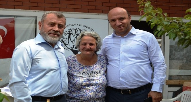 Ayvalıkta Müftü Tosun ve MEB Müdürü Bahadırdan Şefkatli Ellere ziyaret