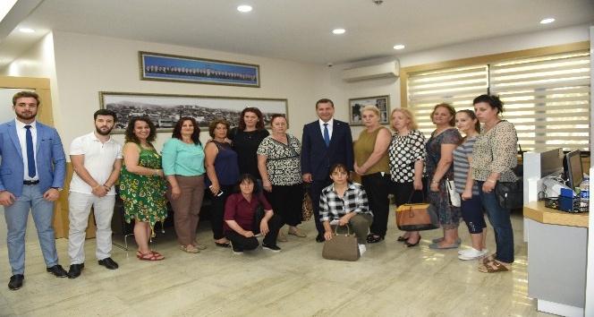 Kosovalı kadınlar Kareside
