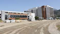 Vali Güvençer, yeni hastanelerin hizmete giriş tarihini açıkladı
