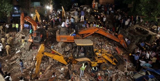 Hindistan'da apartman çöktü: 17 ölü