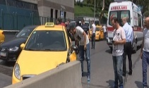 Şişli'de ticari taksi beton bariyerlere çarptı: 1 yaralı