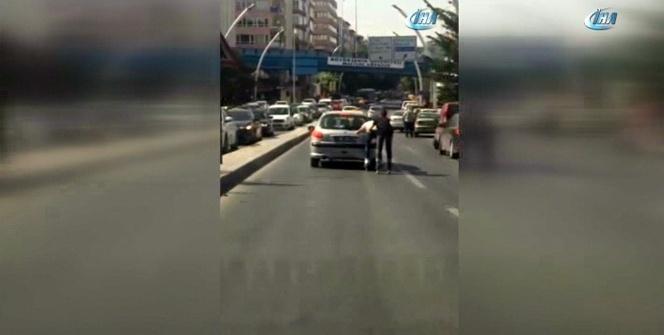 Patenci gençlerden trafikte tehlikeli oyun