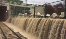Marmaray istasyonunda şelaleyi andıran görüntü