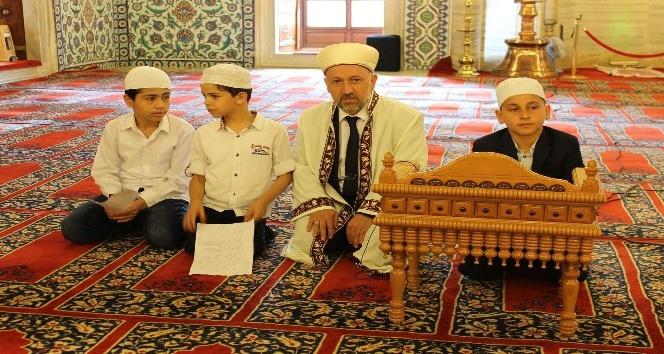 Selimiye Camii çocuklarla doldu taştı
