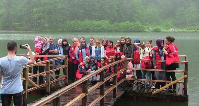 Öğrenciler Karagöl'e hayran kaldı