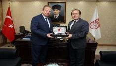 Trabzon Valisi Yücel Yavuz, Vali Ali Hamza Pehlivanı ziyaret etti